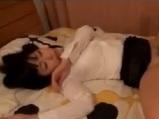 【無料エロ動画】泥酔して帰って来たら夜這いされ中だしされちゃう美人のお姉ちゃん