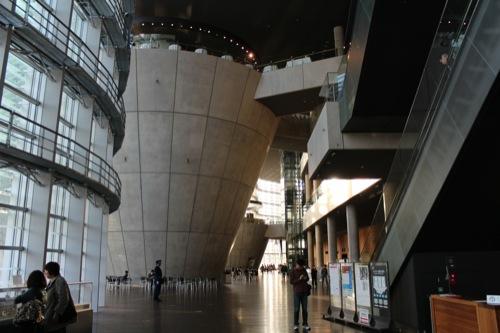 0009:国立新美術館 内観①