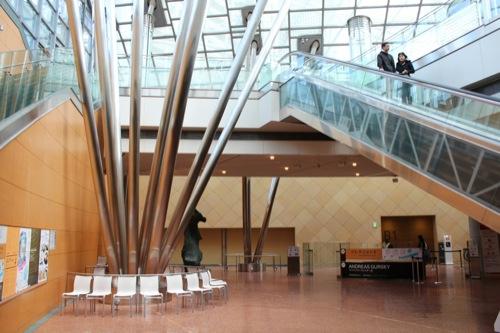 0020:国立国際美術館 内観①