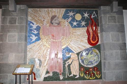 修道院の壁が