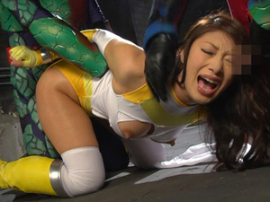 【小早川怜子】巨乳ヒロインが恥辱にまみれながら悪者のチンポでイキまくってます!