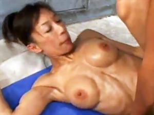 【高瀬みどり】躍動する筋肉!現役女子ボディービルダーが汗だくになってイキまくるガチSEX!