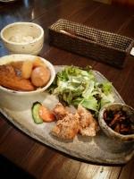 2lapincafe_lunchpt.jpg