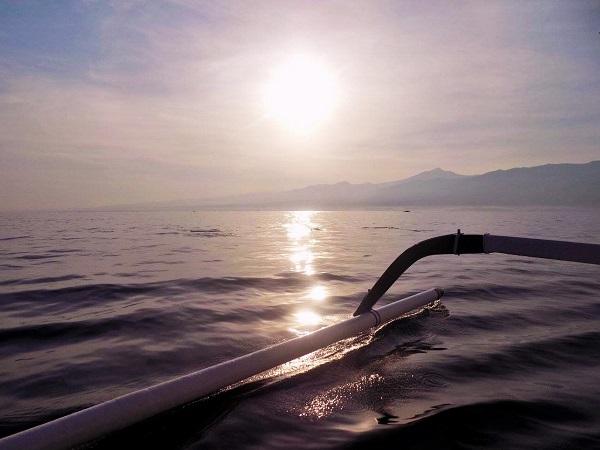 ロビナ ビーチの朝日の画像