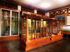 スマラプラ博物館の黄金の展示物の画像1