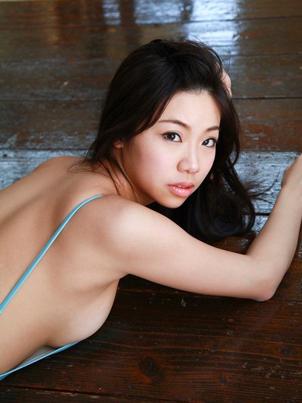 鈴木ふみ奈20
