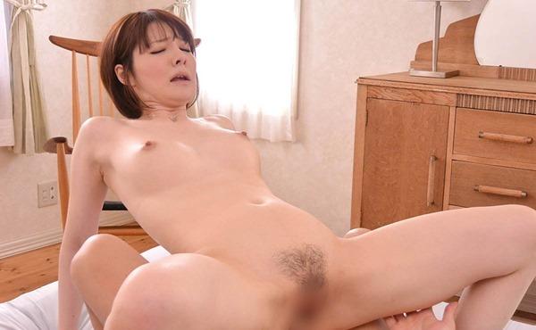 宮崎愛莉26