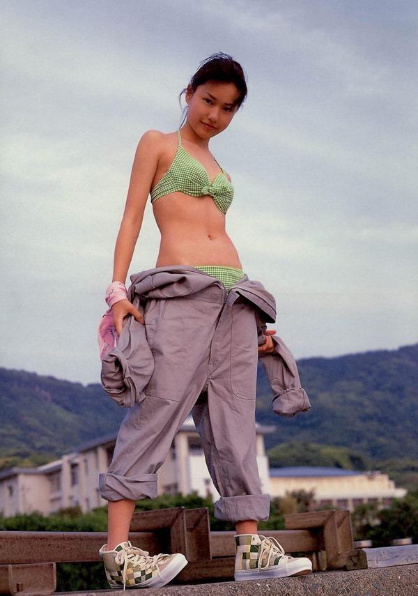 戸田恵梨香30
