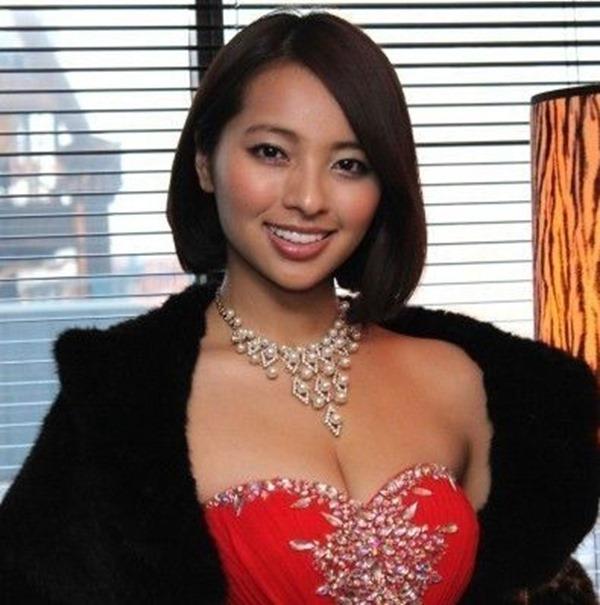 水崎綾女32