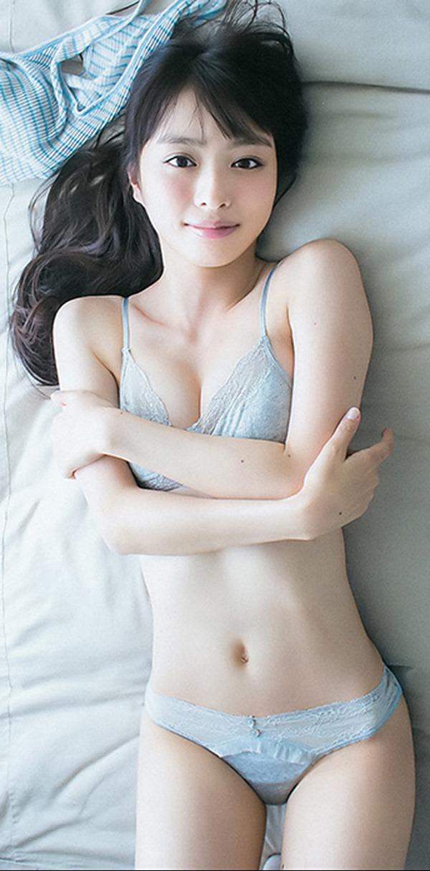 内田理央36