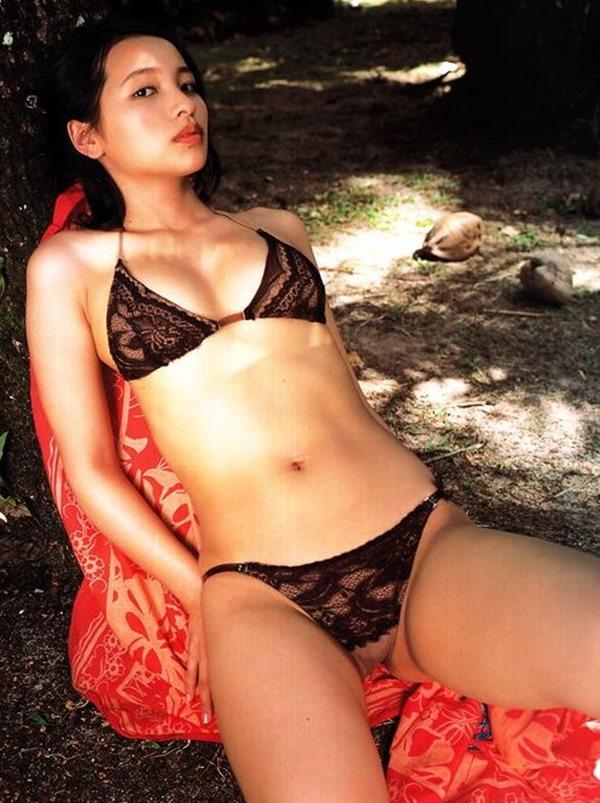 水崎綾女37