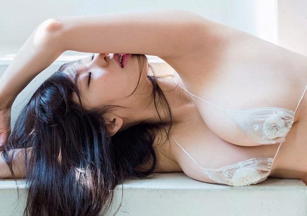 鈴木ふみ奈37