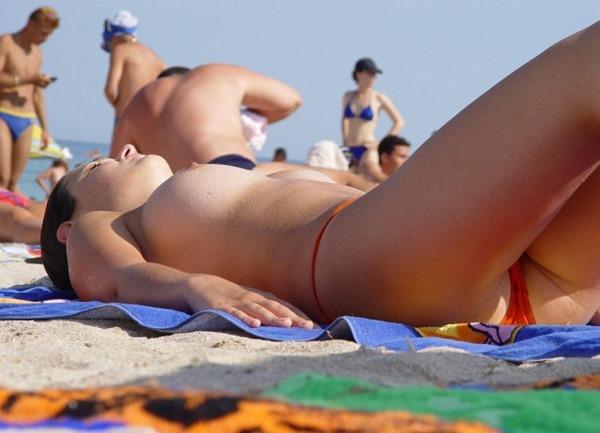 ヌーディストビーチ3