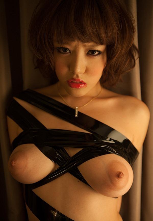 浜崎真緒64