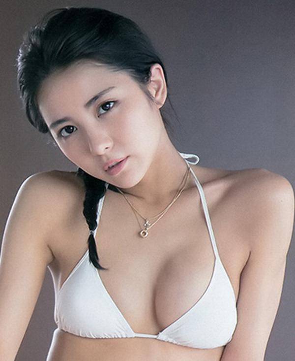 (石川恋)美しい乳お乳極小ビキニ姿が実用的杉なビリGAL表紙モデル(゚Д゚;)