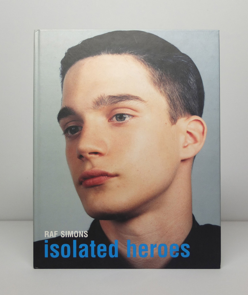 isolated_heroes_by_raf_simons_and_david_sims_0003_layer_1024x1024.jpg