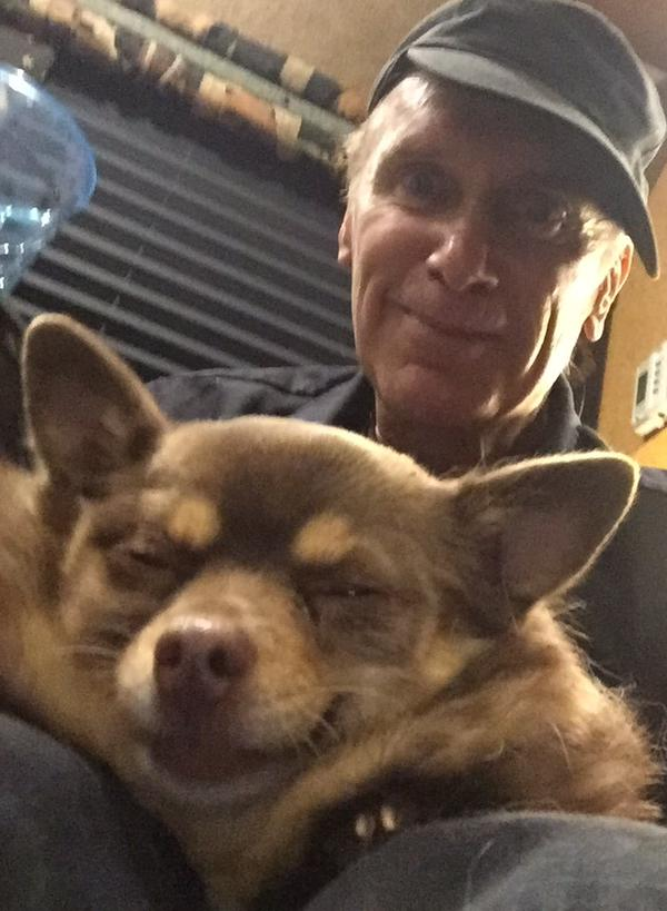 Billy_and_tour_bus_dog_Mocha