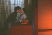 部屋でキスされて・・