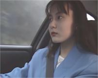車を運転してる杏子