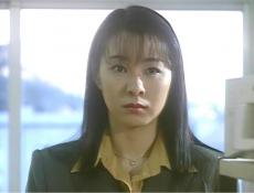 PC室から出て行く大田を見ている奈々子
