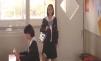教室に入ってきた安藤加奈