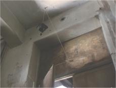 仕掛けられた大きな鉄の風鈴
