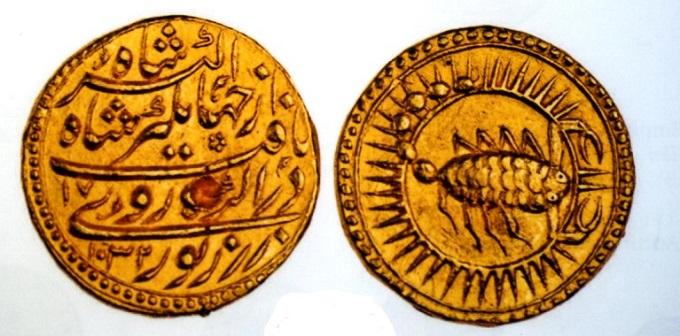 インドムガール帝国 モーハ金貨1619年 直径26 量目10、80グラム