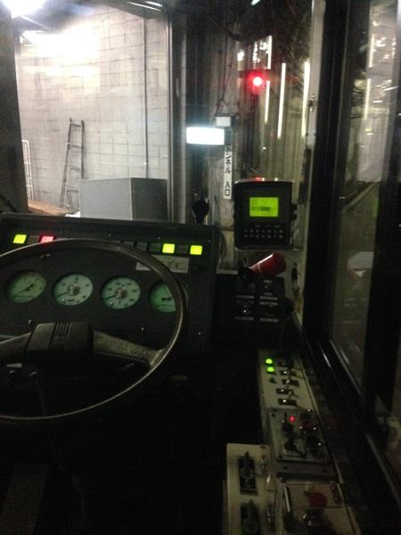 A-020トロリーバス運転席
