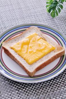朝食に*蜂蜜とチェダーチーズのトースト* by Snow*Love