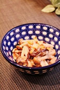 常備菜✿ナッツ入り塩糀きのこ by sacoママ (233x350)