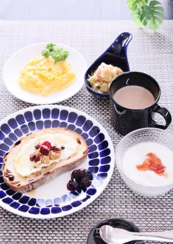 朝ごはん (355x500)