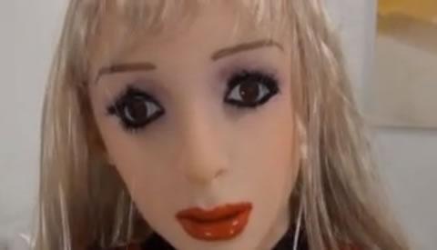 アダルト動画:マニアック 究極フェチ ラバードール1 生身の女が人形に変身 ホントの生き人形