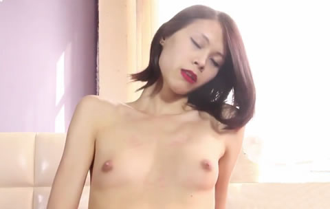 LADY BOY Masturbation 02 (無修正)