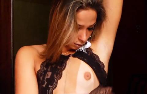 アダルト動画:【海外ニューハーフ】 ブラジルNHが、見せつけオナニー で射精 (あとで友人枠へ)