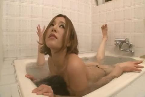 アダルト動画:巨乳女王様のM男飼育 お風呂で巨乳責め