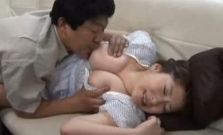 人妻七瀬ゆい義父近親相姦セックス画像