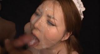 爆乳メイド仁科百華口内射精ぶっかけ顔射画像
