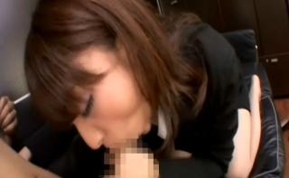 美人秘書OLが社長のチンポをディープスロートフェラで奉仕して口内射精させて性欲管理する無料エロ動画♪