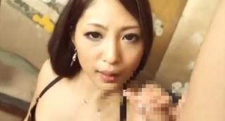 痴女美人ギャルM男チンポ手コキ舌上射精画像