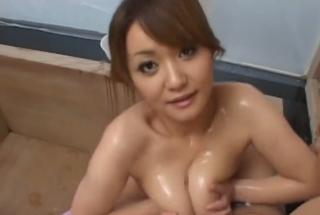 爆乳ソープ嬢浅田ちちおっぱいチンポ洗い画像