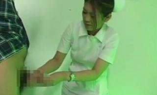看護婦欲求不満患者手コキ画像