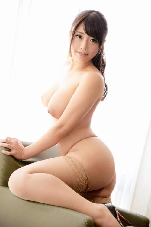 27歳ムチムチ巨乳の綺麗なお姉さん