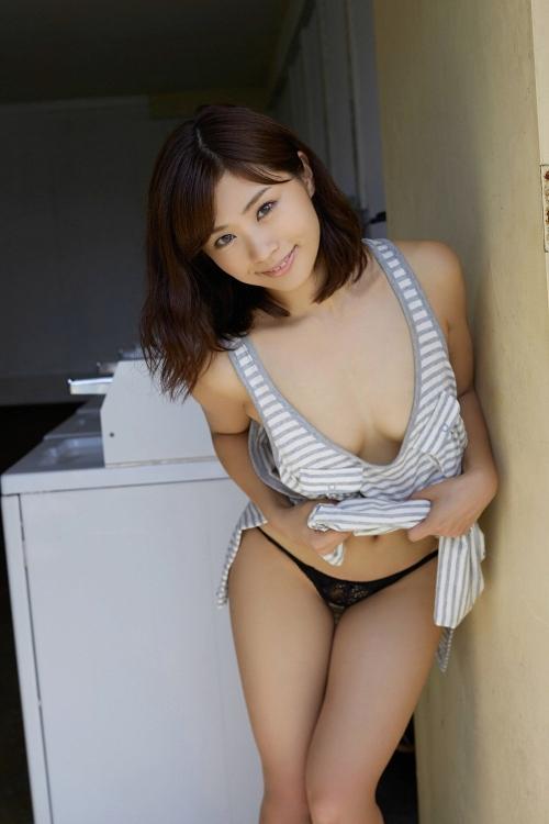安枝瞳 グラビア プリ尻 33