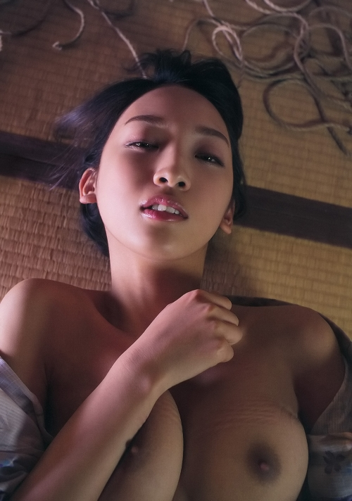 辻本杏 Cカップ AV女優 93
