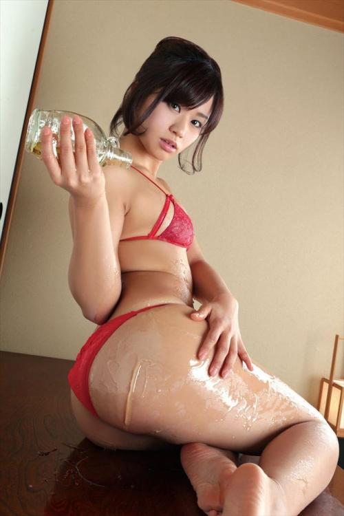 グラビアアイドル 美尻 68