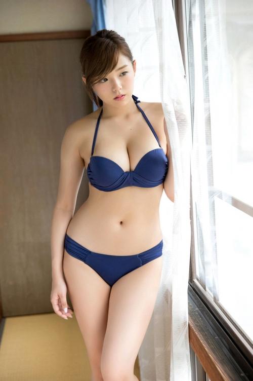 篠崎愛 44