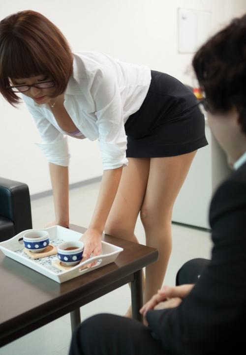 浜崎真緒 AV女優 OL 画像 08