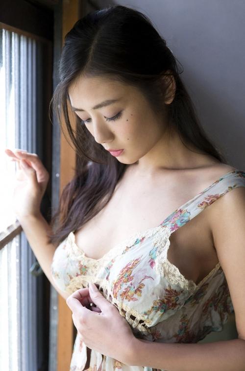 片山萌美 31