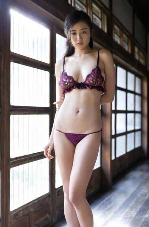 片山萌美 32
