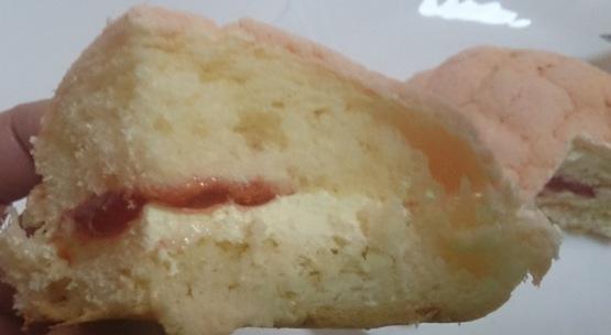 いちごの蒸しケーキ08